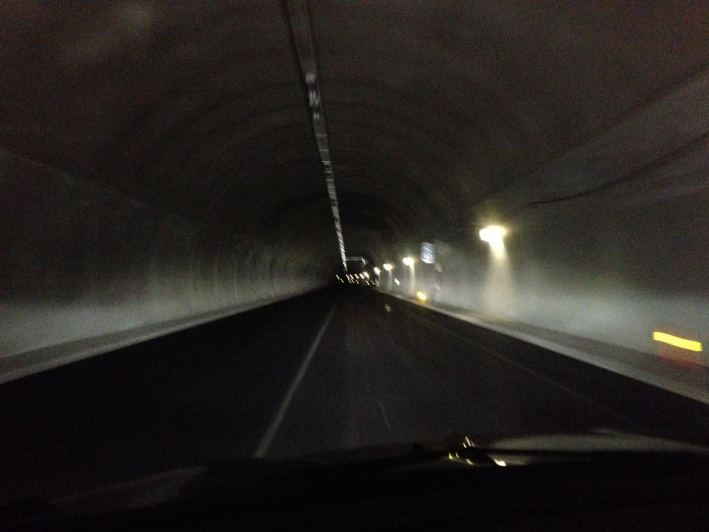 Datagulv i tekniske bygg i tunell - Voss